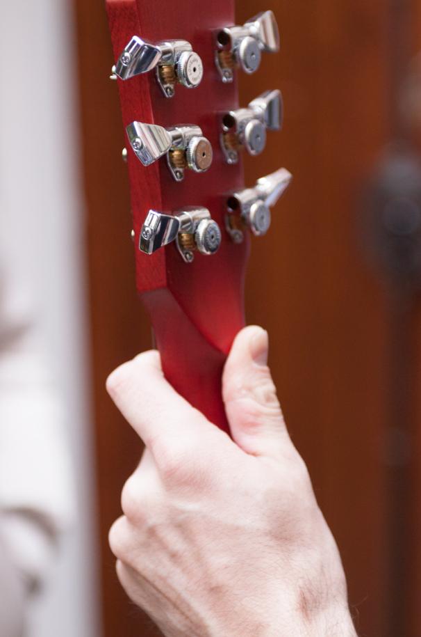 marceau-guitare-sc-headstock-back