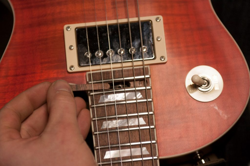 marceau-guitars-sc-battery-hole