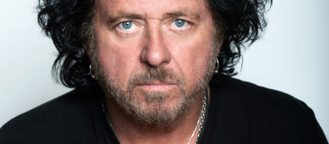 Steve Lukather sort de l'ombre
